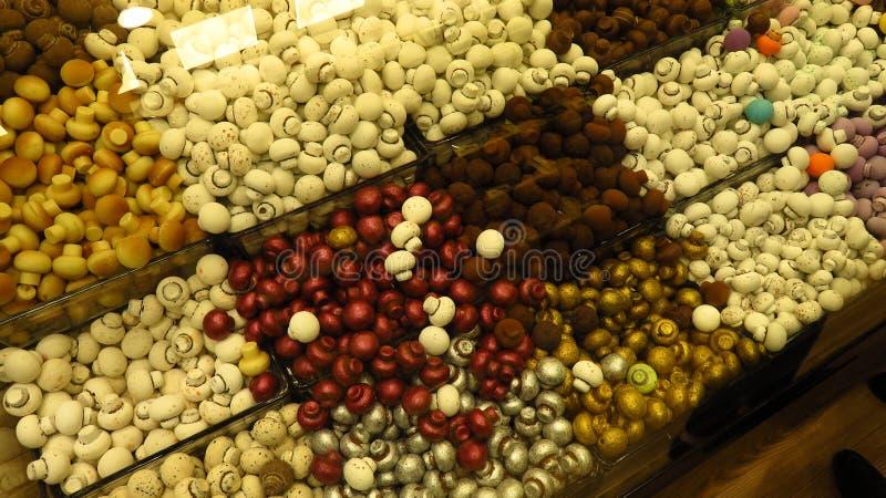 Грибы шоколада в магазине стоковые изображения