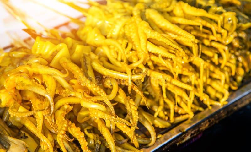 Гриль кальмара с желтым имбирем стоковое изображение