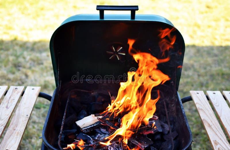 Гриль с открытым огнем стоковая фотография rf