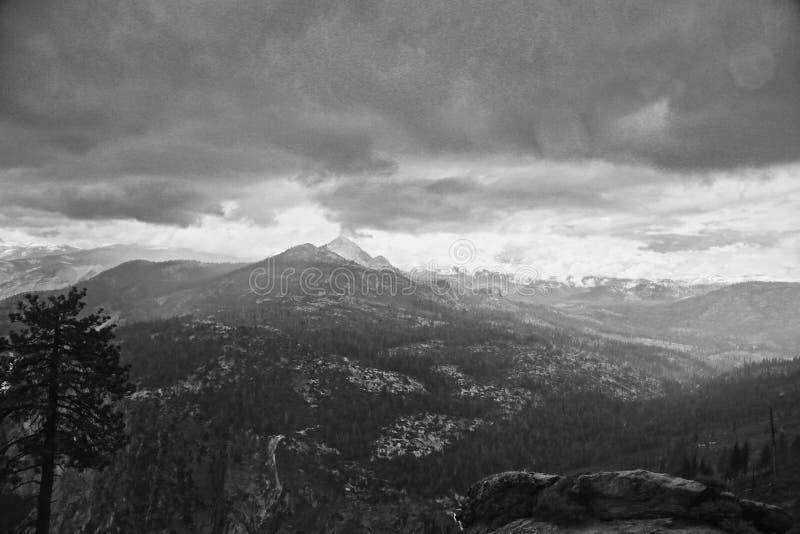 Гроза Калифорния национального парка Yosemite стоковое фото rf