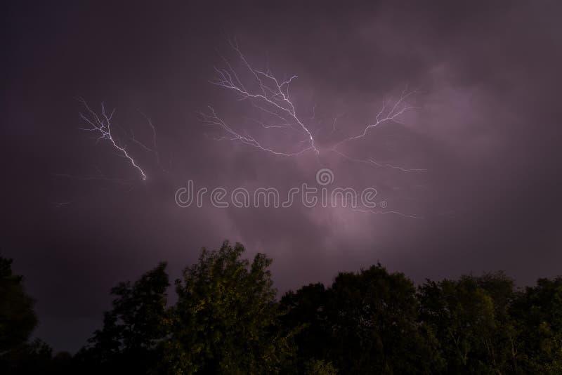Гроза, освещение и гром в шторме в Caceres стоковые изображения