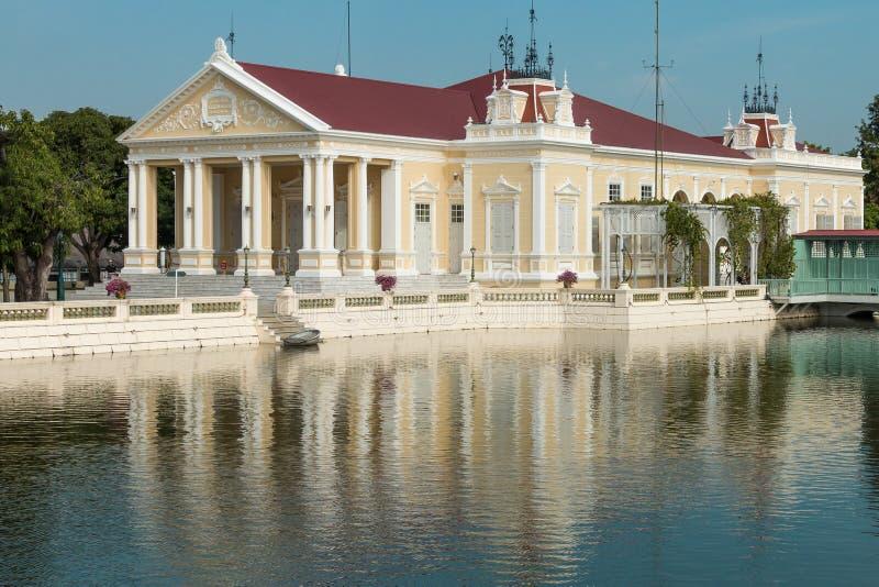 Грохните дворец боли королевский в Ayutthaya, Таиланде - также известном как летний дворец стоковые изображения rf