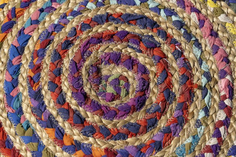 Грубая текстура сплетенной ткани, конец вверх текстуры ткани, предпосылки ткани ремесленничества детали сплетя Плетеная handmade  стоковое изображение