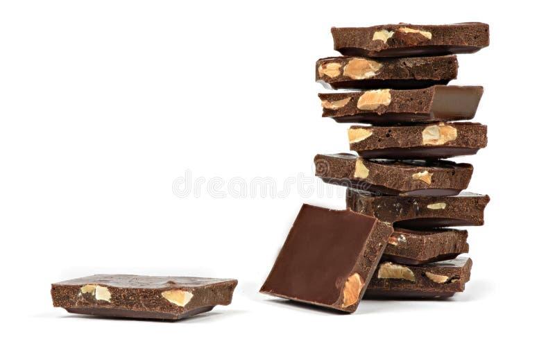 Грубо отрежьте ломти шоколадного батончика стоковое фото rf