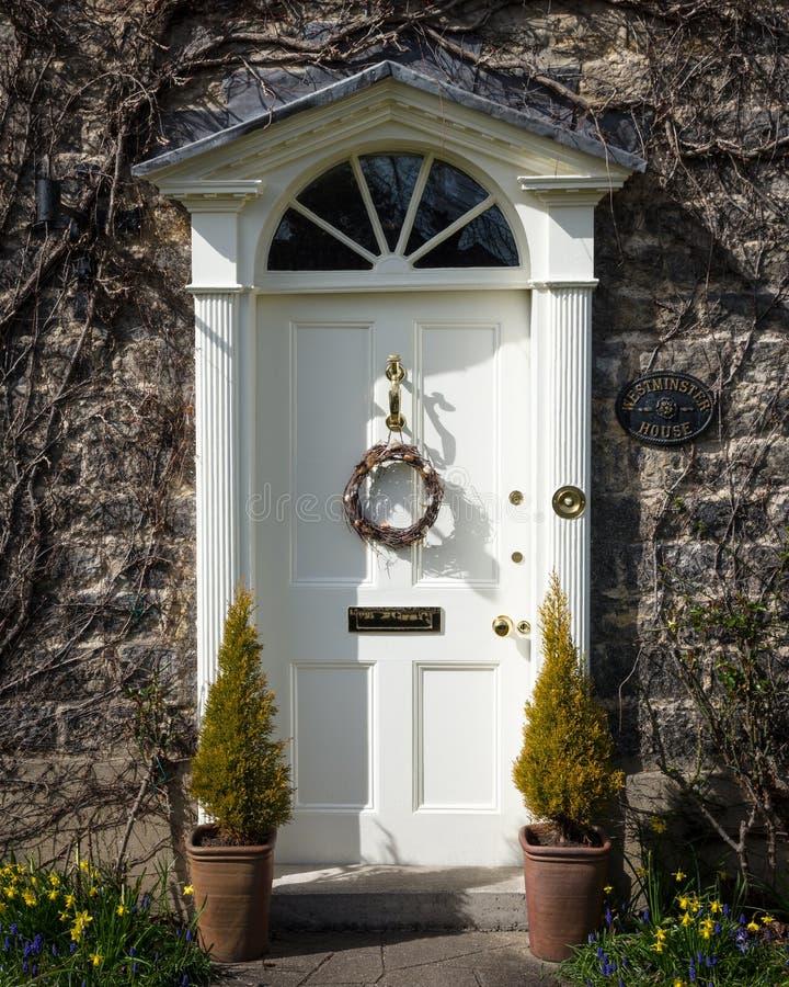 Грузинская дверь - венок пасхи стоковое изображение rf