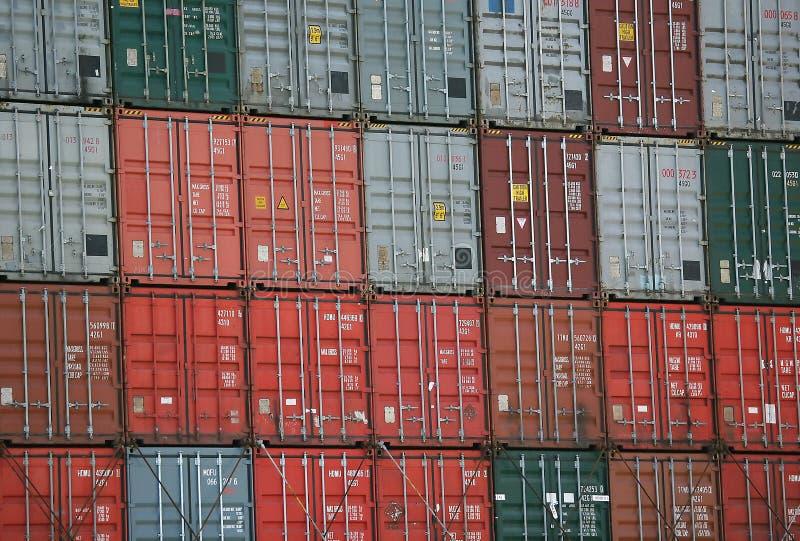грузить контейнеров стоковое изображение