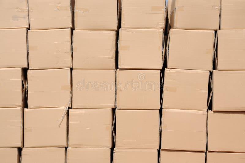 грузить коробок стоковые изображения