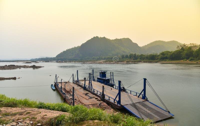 Грузовой корабль Меконга стоковое изображение