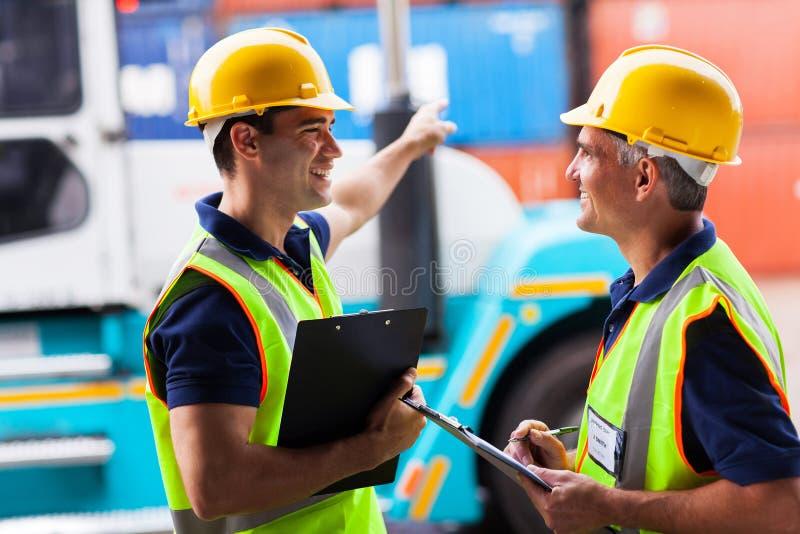 Грузоподъемник работников гавани стоковые фотографии rf