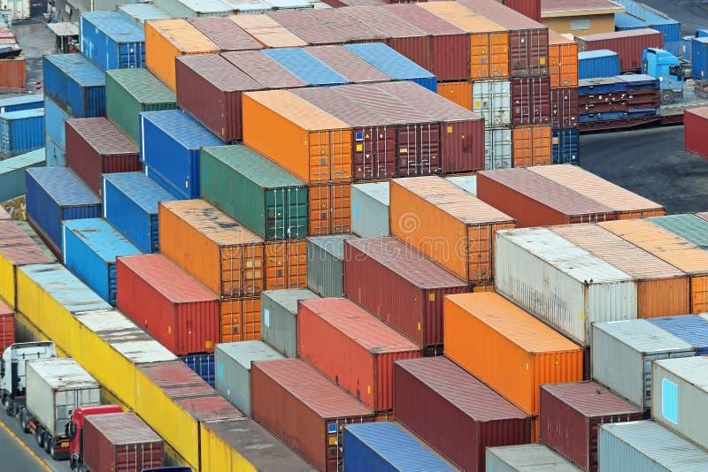 Груз стога контейнеров стоковое фото rf