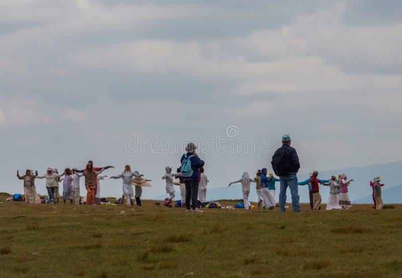 Группа в составе белое братство, 7 озер Rila в Болгарии стоковые фото