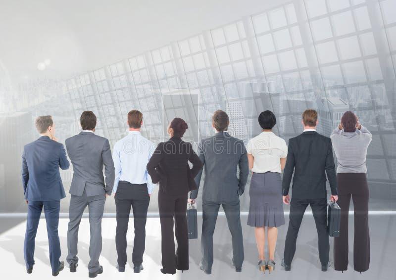 Группа в составе бизнесмены с предпосылкой перехода стоковое фото