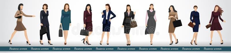 Группа в составе бизнес-леди в элегантных деловых костюмах стоковая фотография