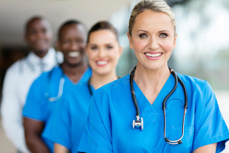 Группа в составе врачи стоковое изображение rf
