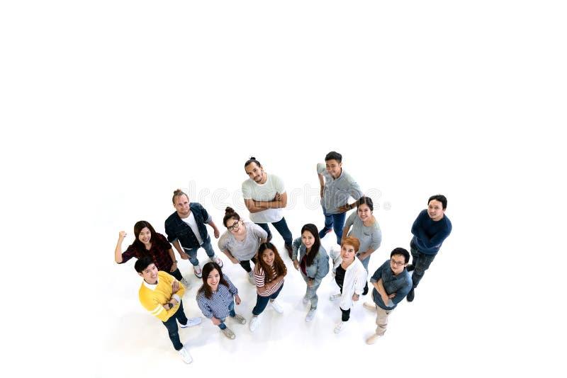 Группа в составе люди разнообразия объединяется в команду усмехаться с взгляд сверху Multiethni стоковая фотография rf