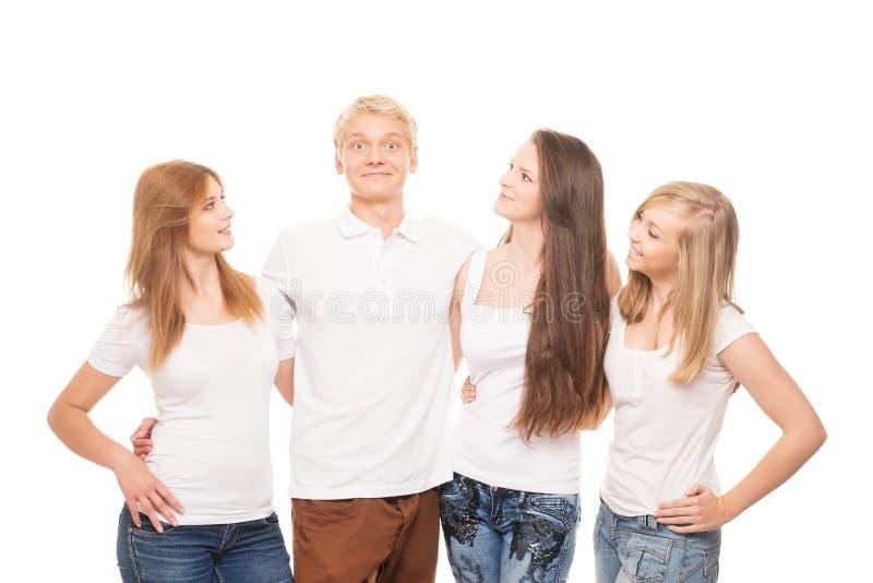 Группа в составе молодые, стильные и счастливые подростки стоковое изображение rf