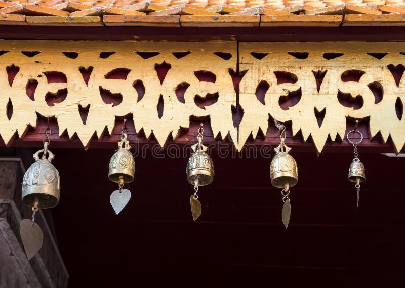 Группа в составе традиционный тайский колокол стоковое фото rf