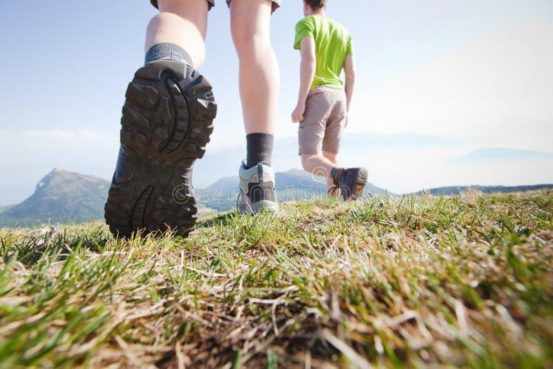 Группа в составе hikers стоковое изображение rf