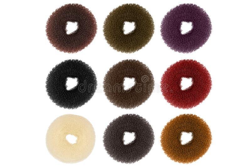 Группа в составе 9 scrunchies волос пластиковых эластичных, изолированная на прозрачной или белой предпосылке стоковые фото