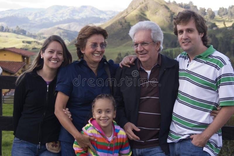 Группа семьи из нескольких поколений Outdoors стоковые изображения