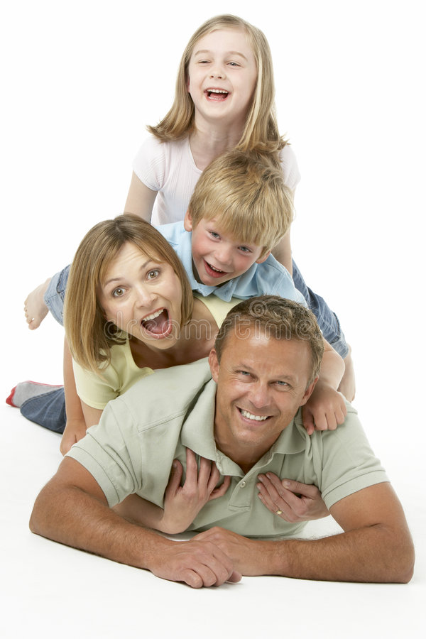 группа семьи счастливая совместно стоковое изображение rf