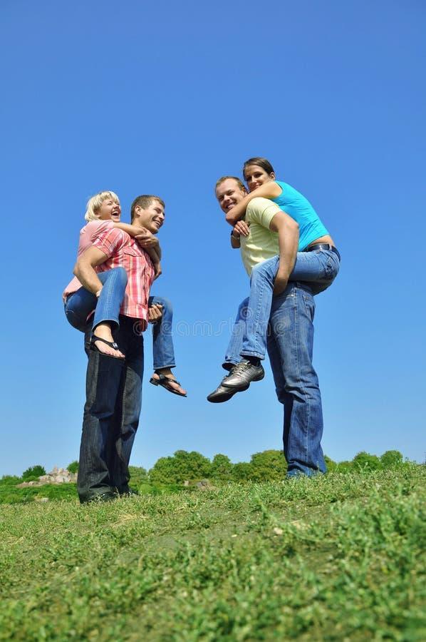 группа 4 друзей стоковое изображение