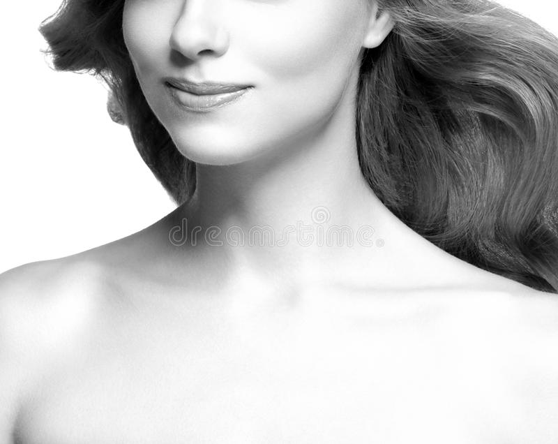 Губы и cheen Портрет стороны женщины красоты черная белизна залива стоковая фотография