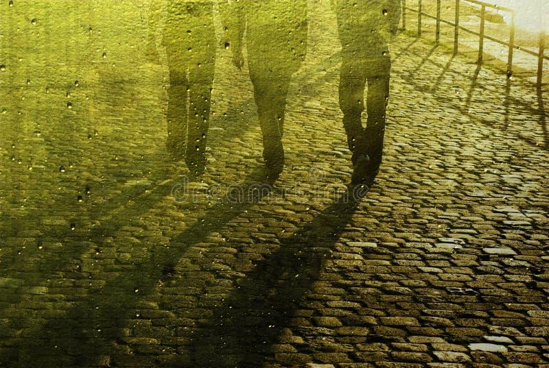 Download гулять людей булыжника дела Стоковое Изображение - изображение насчитывающей запачканный, булыжник: 6866185