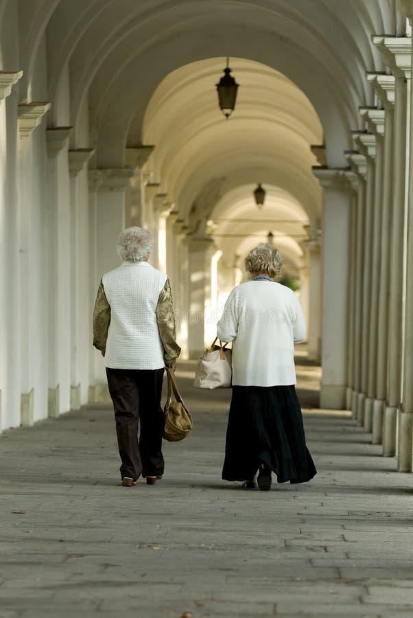 Download гулять сводов стоковое фото. изображение насчитывающей archibald - 1176164