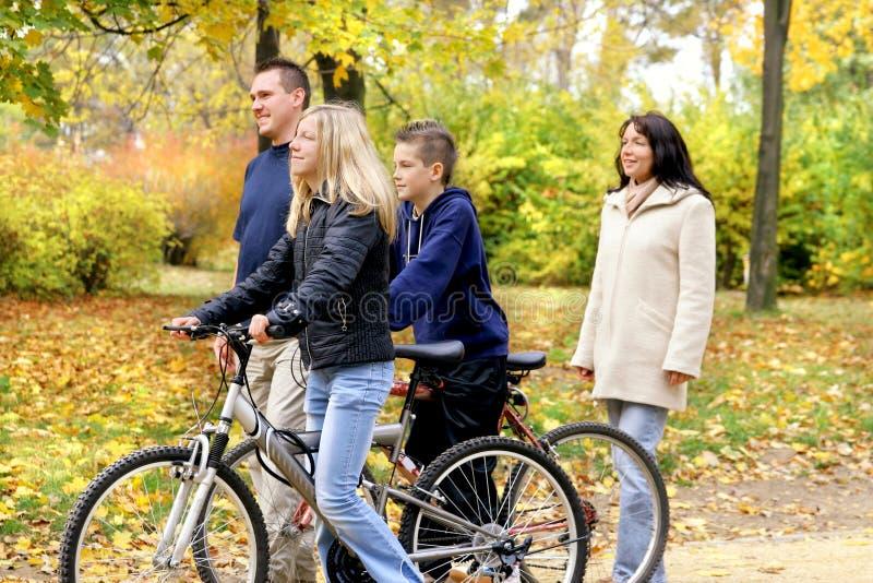гулять семьи Стоковое Фото