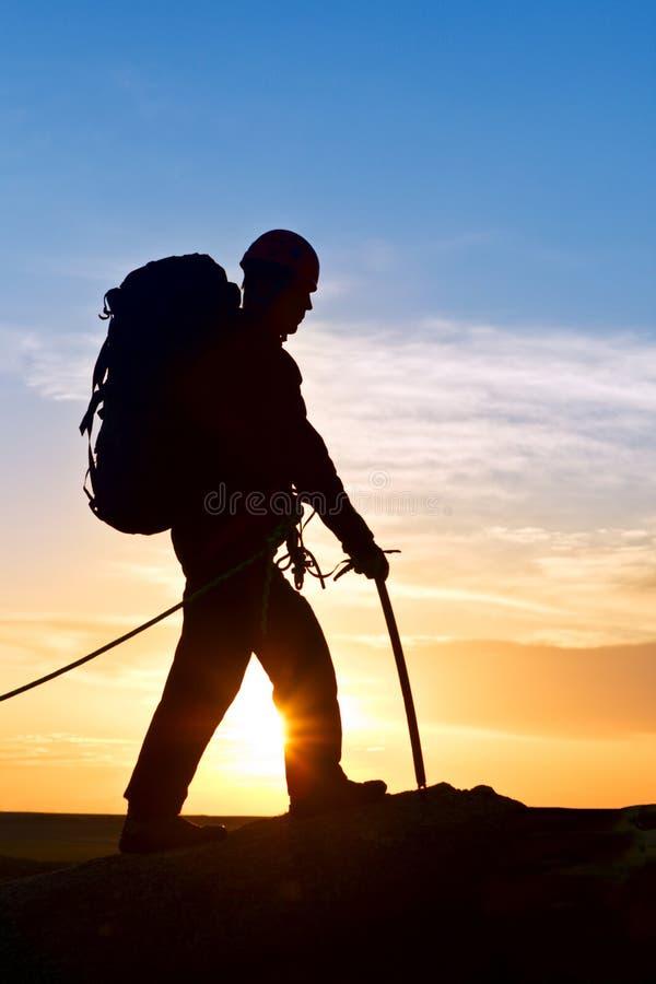 гулять утеса горы альпиниста верхний стоковое изображение rf