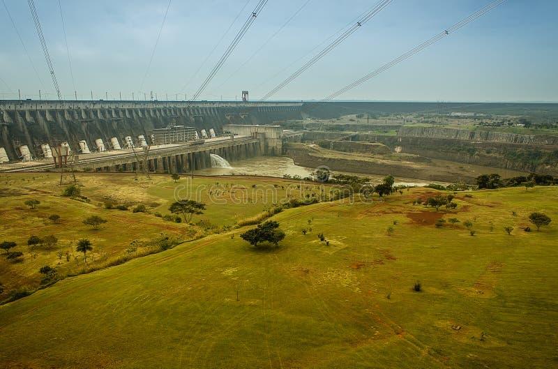 ГЭС Itaipu стоковые фото