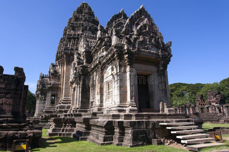 Главное prang, главным образом башня в парке phimai историческом стоковое фото rf