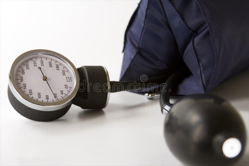 давление по манометру крови стоковое фото rf