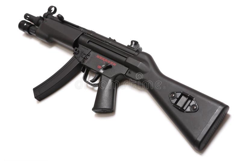 дайте полный газ легендарному оружию submachine серии mp5 стоковые фотографии rf