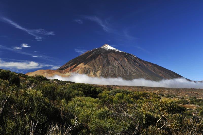 далекий вулкан teide стоковое изображение rf