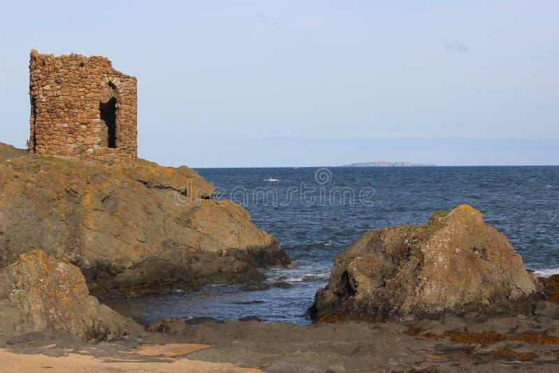 Дама Башня и остров от мая, лиман вперед, файф стоковая фотография rf