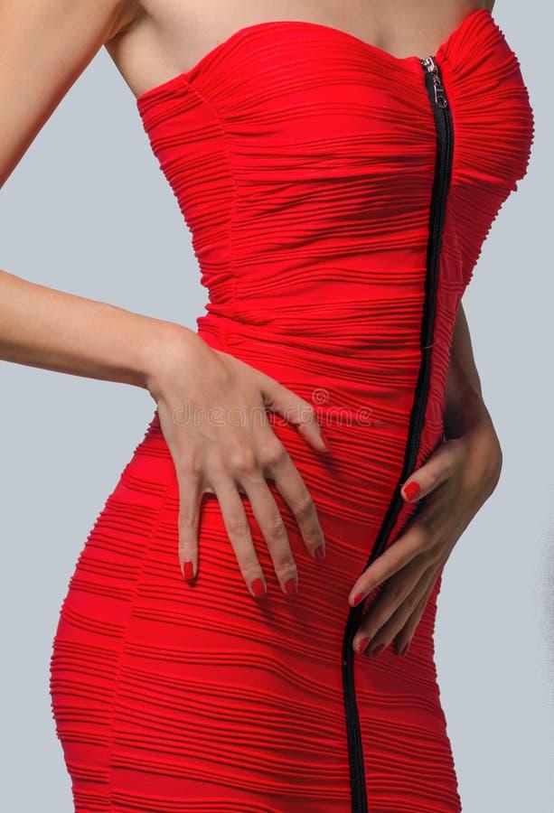 Download Дама в красной юбке стоковое фото. изображение насчитывающей шикарно - 40577606