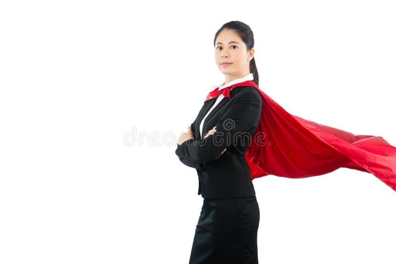 Дама офиса с порхая красной накидкой стоковое фото