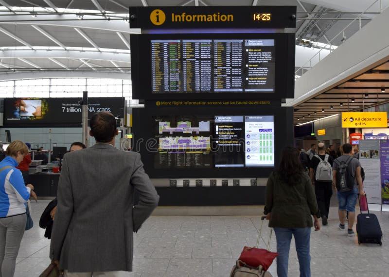 Данные по Лондон Хитроу полета стоковые изображения rf