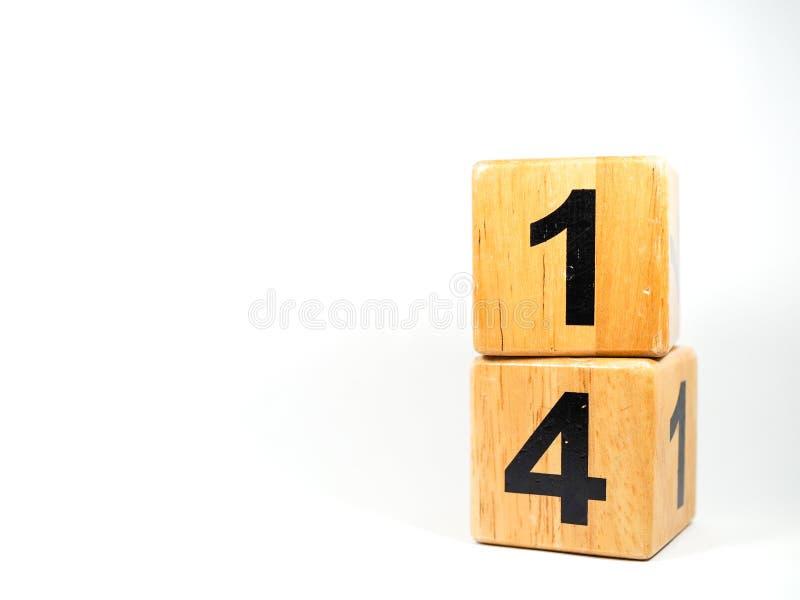 Дата 14-ое февраля на деревянном на белом стоковые фотографии rf