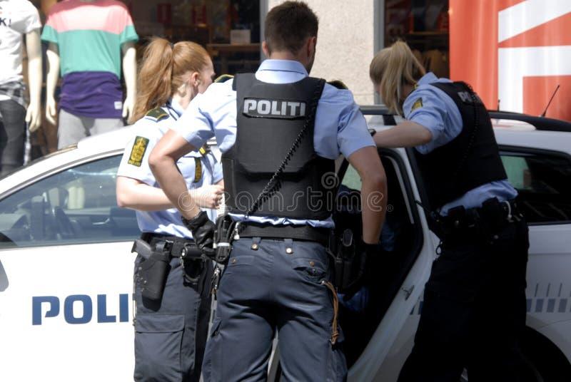 Датские сделанные полицейские арестом стоковые фотографии rf