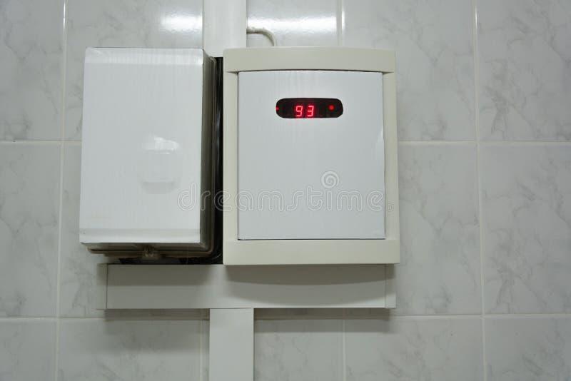 Датчик температуры в сауне стоковое изображение