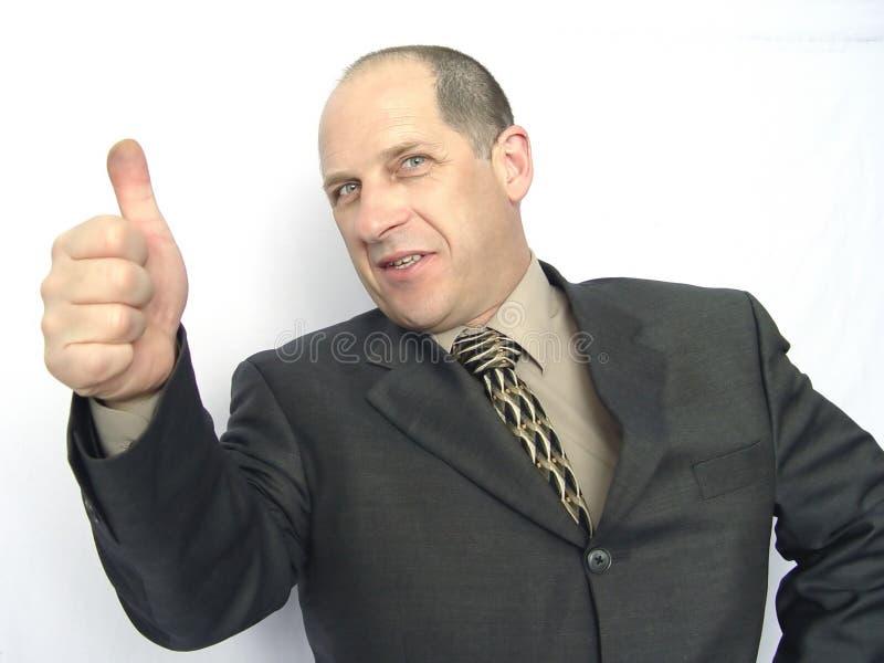 дающ большие пальцы руки человека вверх стоковые фотографии rf
