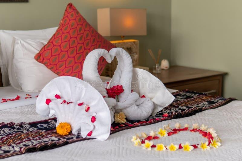 Два полотенца с цветами стоковая фотография rf
