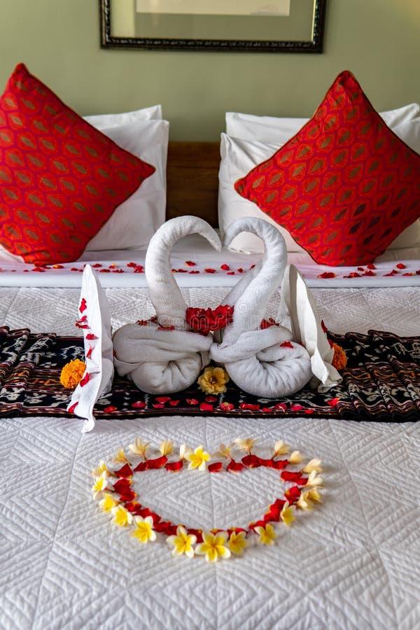 Два полотенца с цветами стоковое изображение