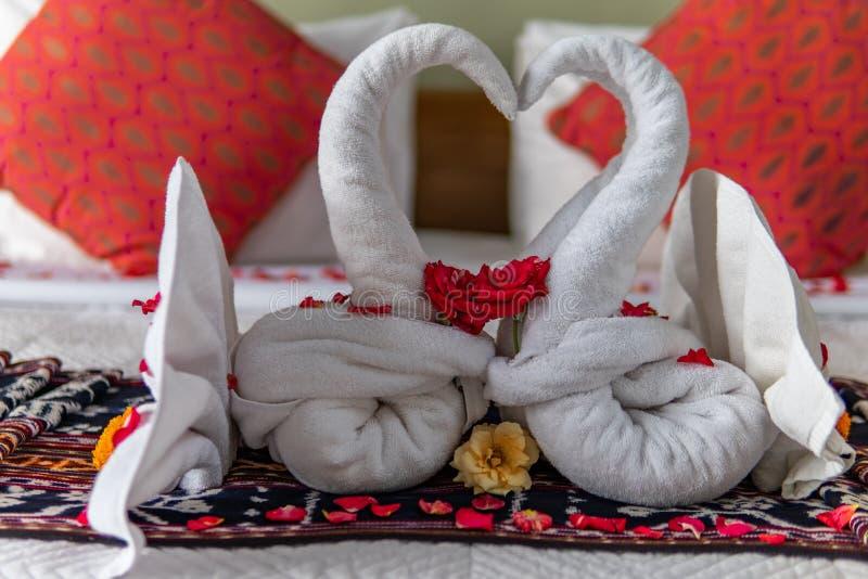 Два полотенца с цветами стоковые фотографии rf