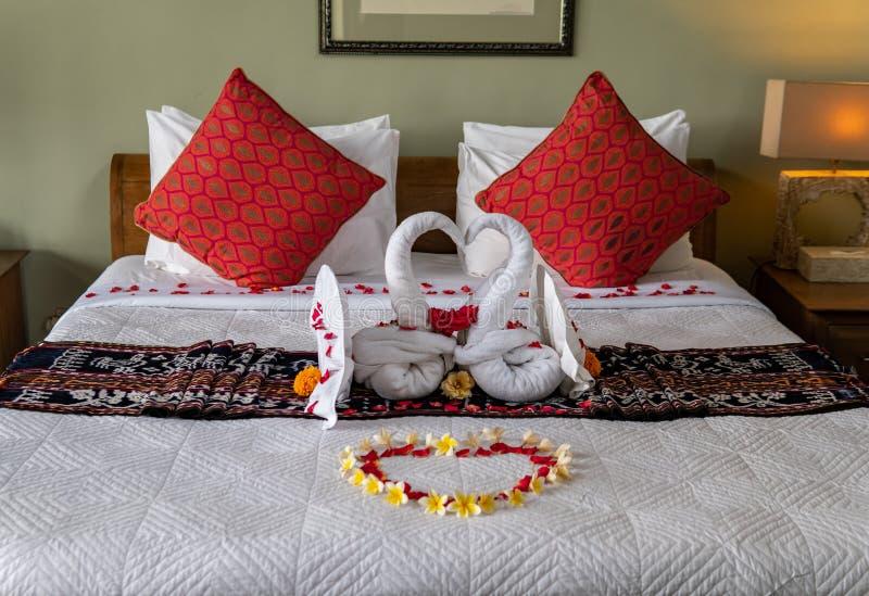 Два полотенца с цветами стоковые фото