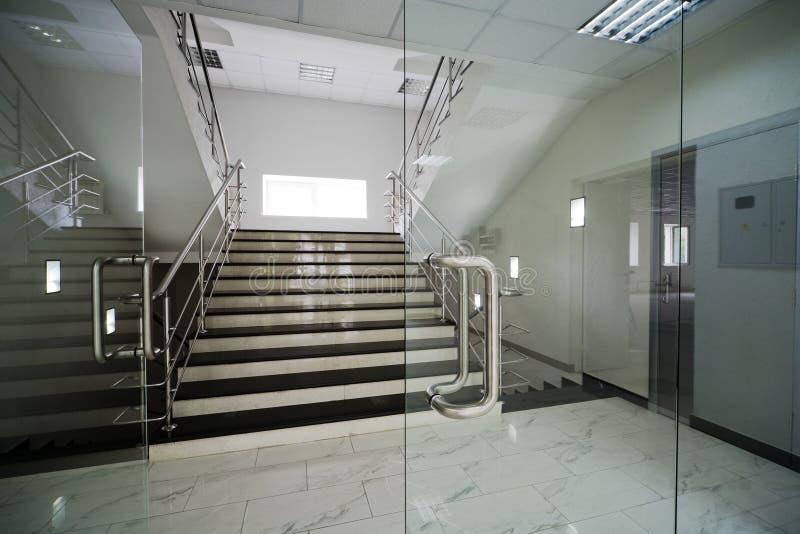 двери стеклянные стоковые изображения rf