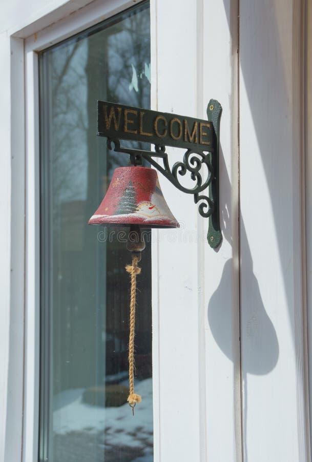Дверной звонок для того чтобы вызвать предпринимателя стоковое фото